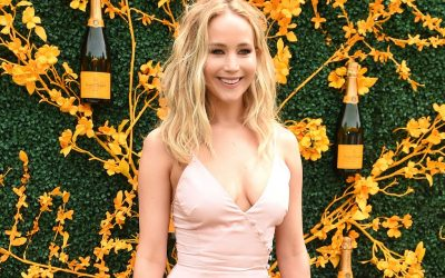 Jennifer Lawrence Feet, size and collection of shoes